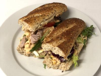 Grov baguett m-kyllingsalat
